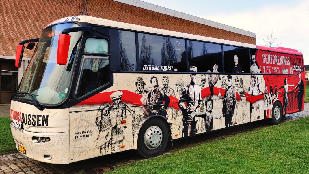 Genforeningsbussen på besøg – Arkæologi i Haderslev