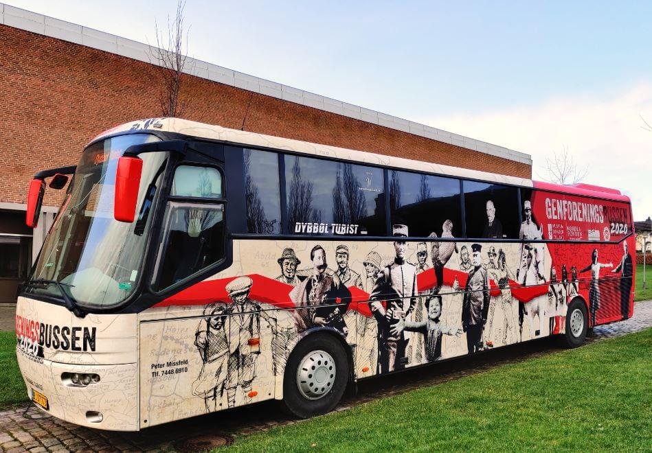 Genforeningsbussen på besøg